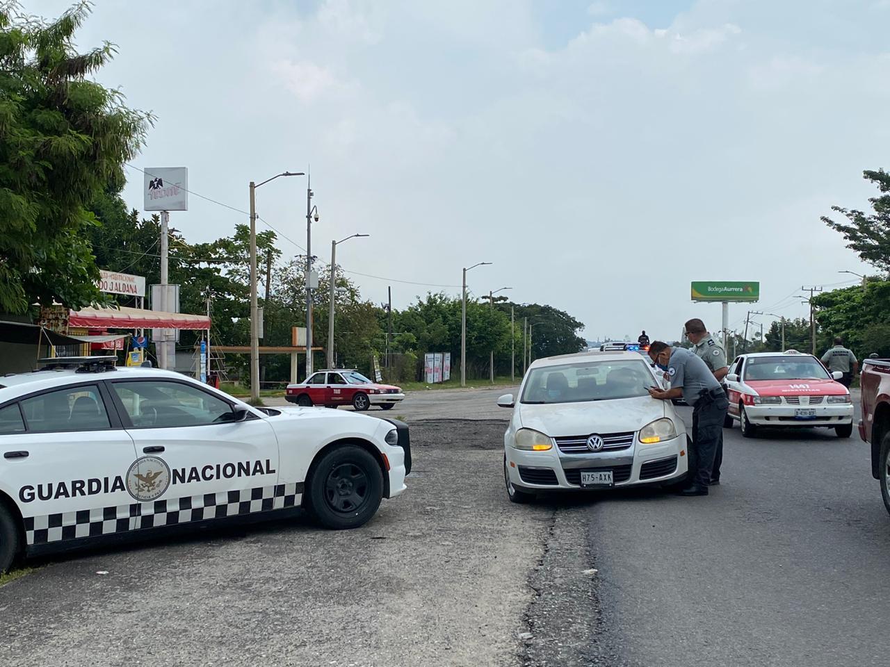 Realiza Guardia Nacional operativo carretero en el sur de Veracruz