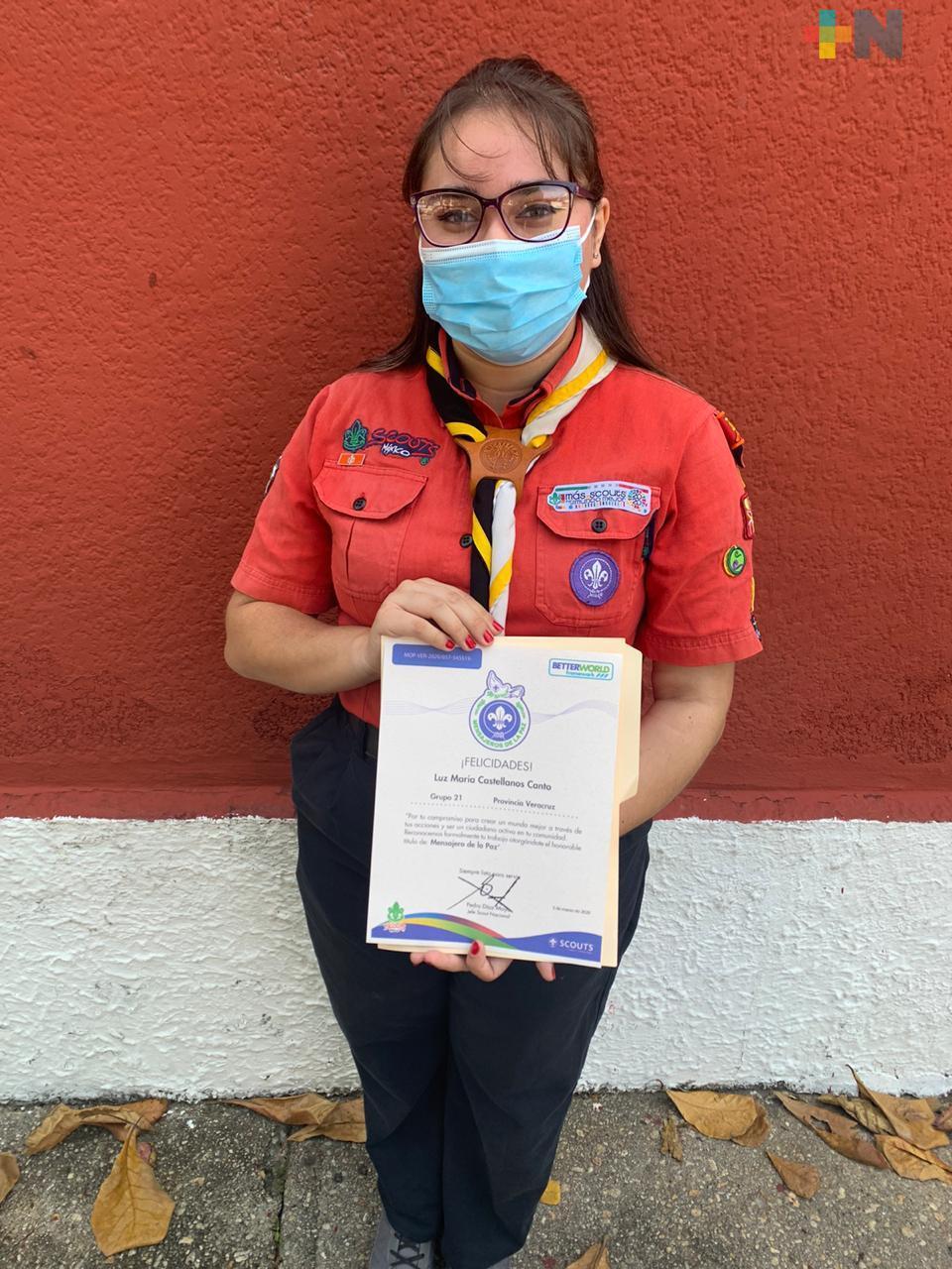 Galardonan a scout de Coatzacoalcos y la nombra Mensajera de la Paz