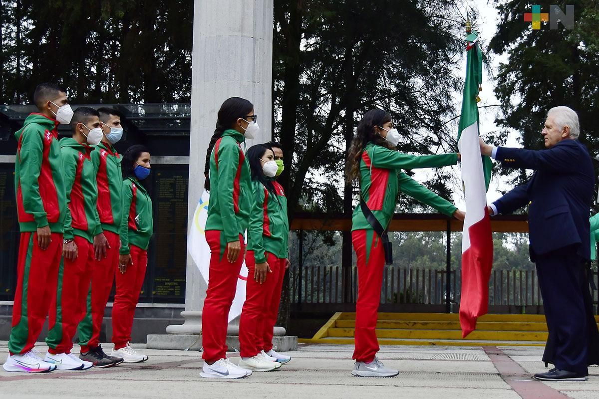 Abanderan a la delegación mexicana atletismo, en las instalaciones del CDOM