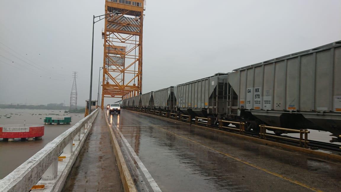 Por reparación restringirán paso de vehículos pesados por el puente Coatzacoalcos I
