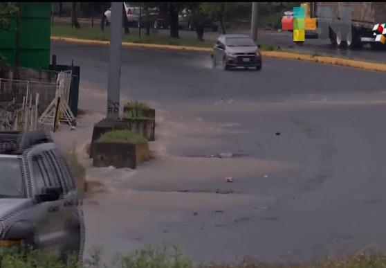 Vecinos de colonia Tecoxolco de Coatepec piden arreglar inundaciones de calles