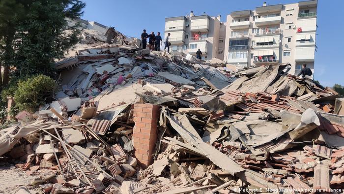 Fuerte terremoto sacudió a zonas de Grecia y Turquía
