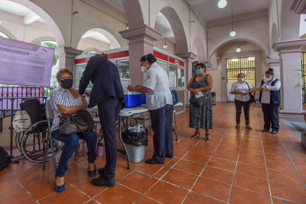Instalan módulo para vacunarse contra la influenza en Ayuntamiento de Xalapa