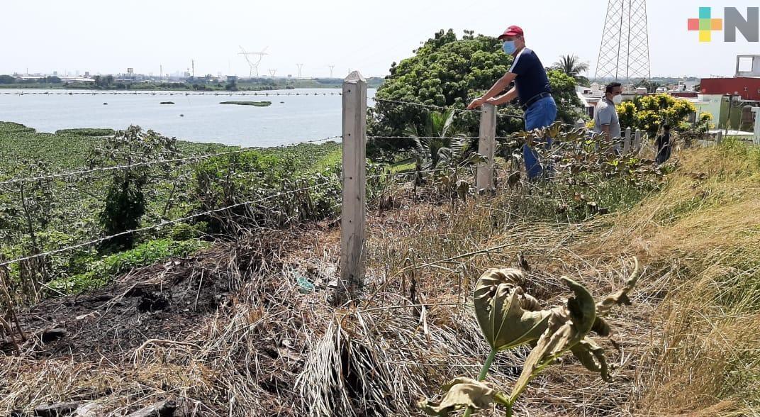 Denuncian invasión de terrenos en fraccionamiento Laguna Real, en Veracruz