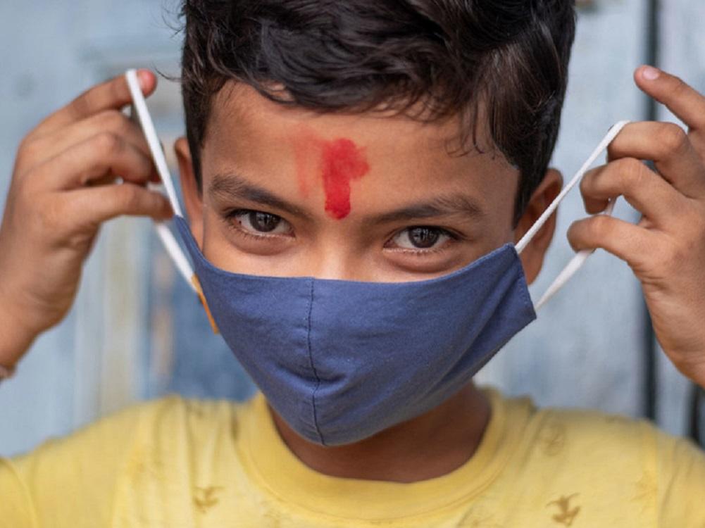 """COVID-19 sí afecta a niños, y pandemia puede dejar una """"generación perdida"""""""