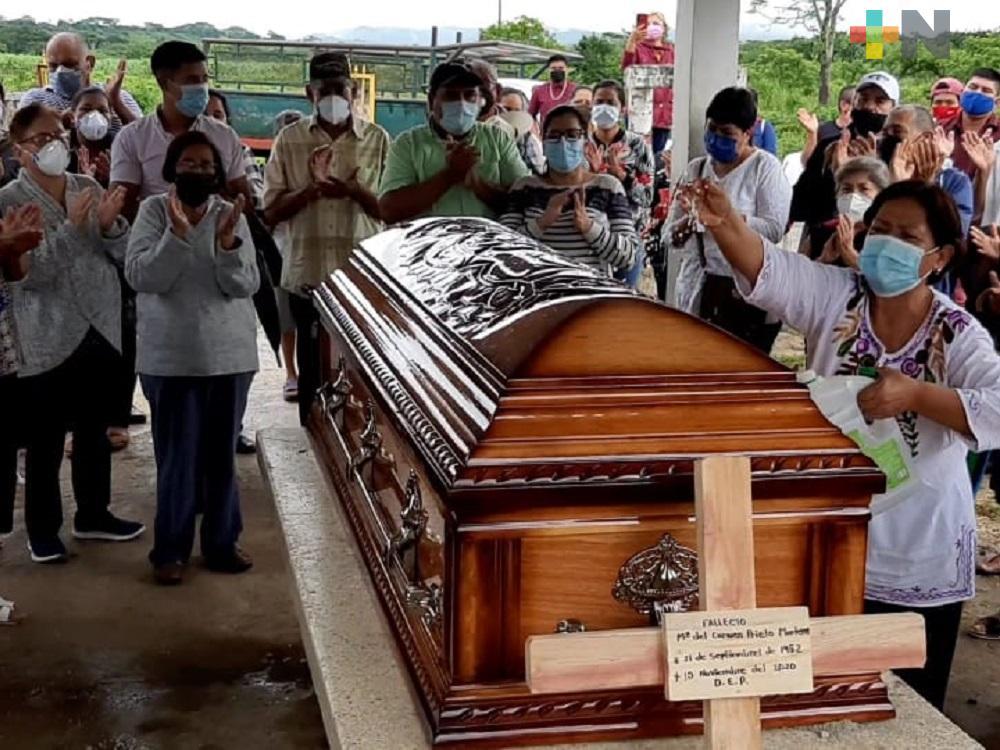 Despiden en su natal Hueyapan de Ocampo a alcaldesa María del Carmen Prieto