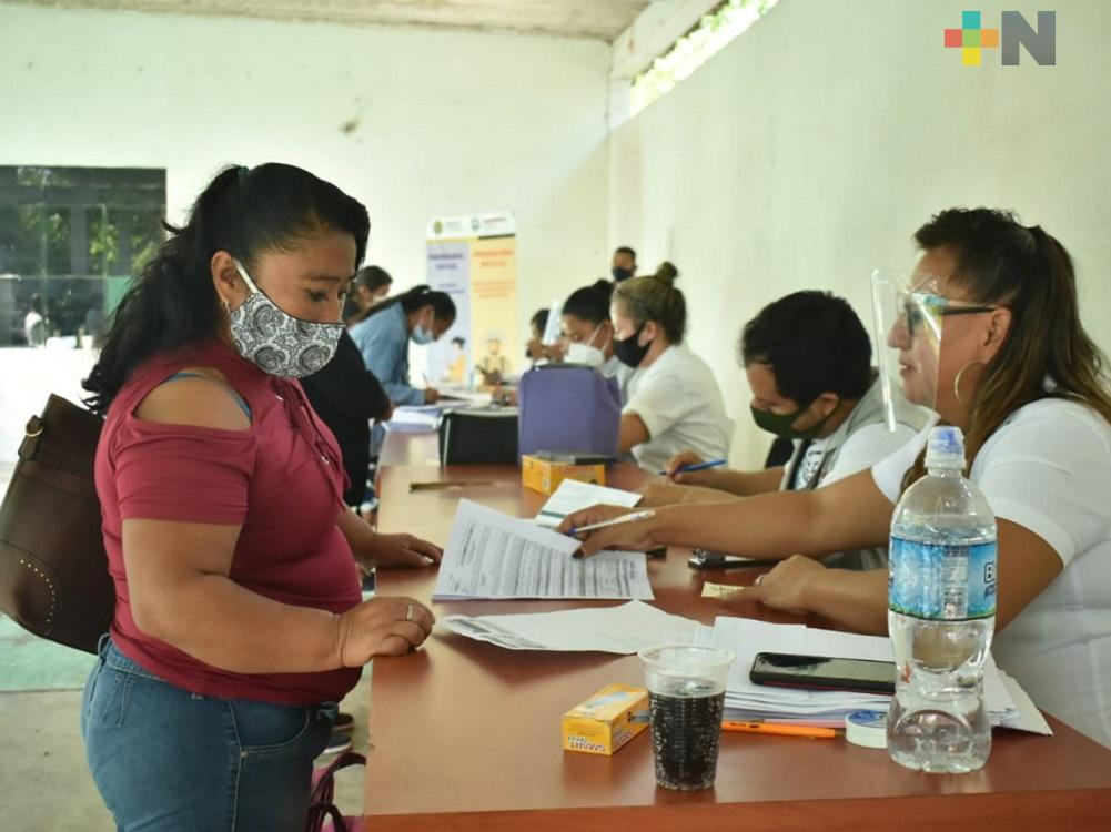 En la Huasteca, Sedesol mantiene apoyos para personas de escasos recursos