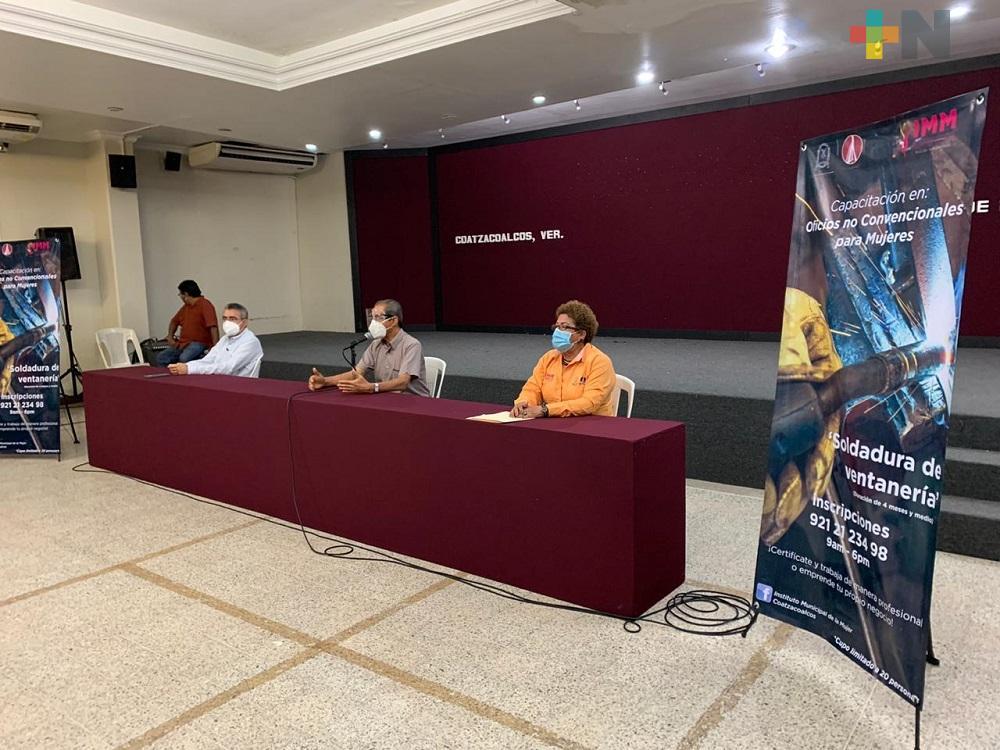 IMM Coatzacoalcos anuncia capacitación en soldadura en ventanería para mujeres