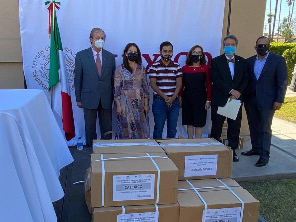 Inicia SEP entrega de Libros de Texto Gratuitos a Consulados de México en EU