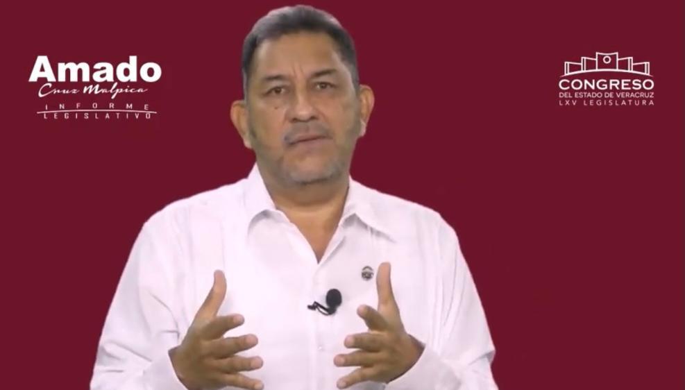 Rindió su informe de labores el diputado local Amado Cruz Malpica