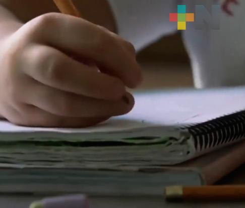 En Veracruz, regresan a clases dos millones 200 mil estudiantes