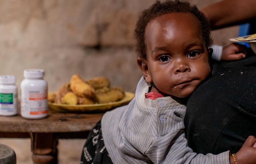 Nueva terapia antirretroviral para niños llegará a África en 2021