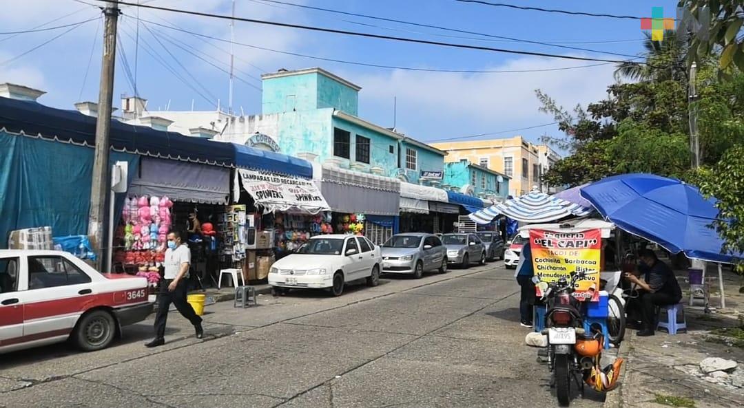 Coatzacoalcos no cerrará acceso al centro, sólo restringirá estacionamiento de vehículos