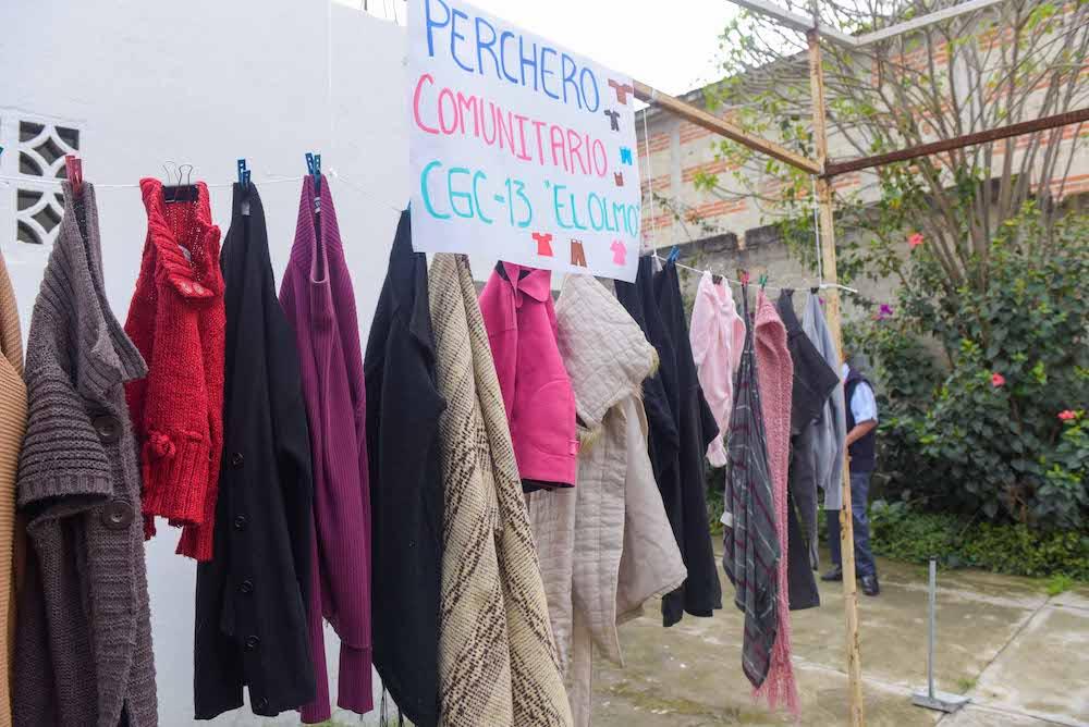 Para paliar frío de gente necesitada, se implementará en Xalapa programa Perchero Solidario