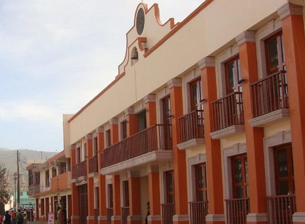 Ayuntamiento de Perote ordena cierre de bares, gimnasios y otros establecimientos