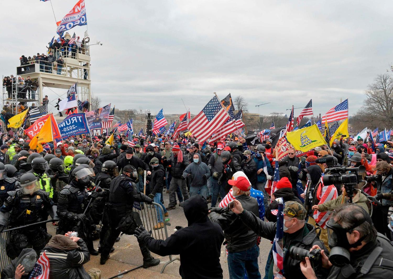 Manifestantes pro-Trump interrumpieron en Capitolio de Estados Unidos; se certificaba triunfo de Biden