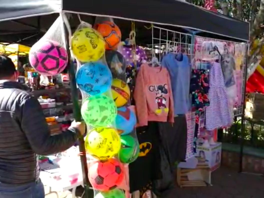 Comerciantes de Huayacocotla reportan bajas ventas en Día de Reyes