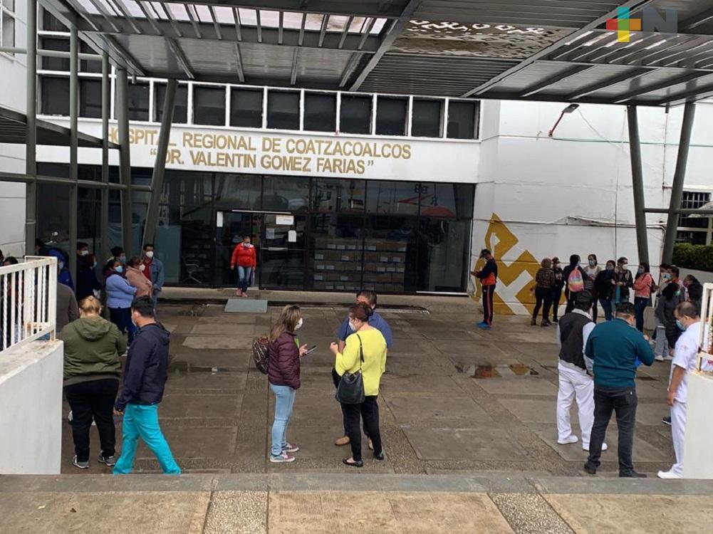 Se aplicaron al 100 por ciento vacunas contra COVID-19, a personal de hospitales de Veracruz: Ramos Alor