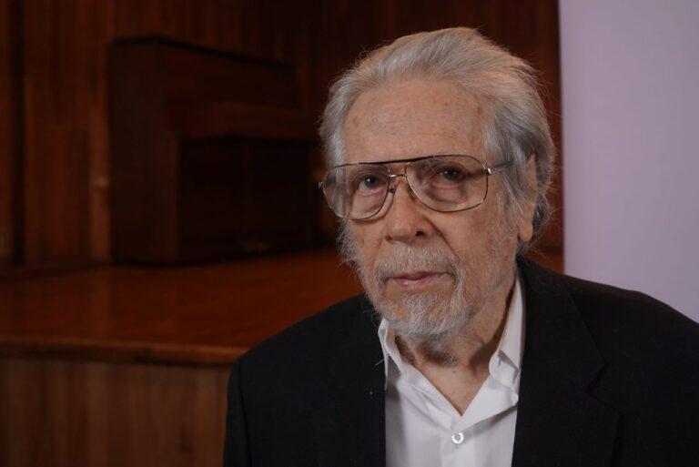 Reconoce IVEC trayectoria del arquitecto Enrique Murillo