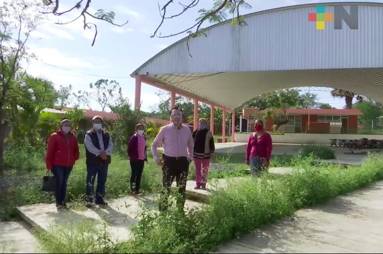 Entregó gobernador de Veracruz escuela rural en el norte, rehabilitada con fondos federales y estatales