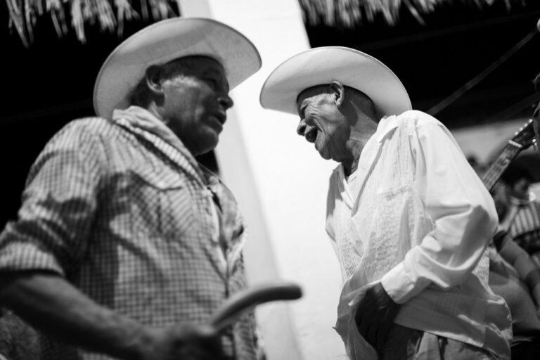 Presenta IVEC la exposición virtual Maestros Jaraneros de Mario Hernández
