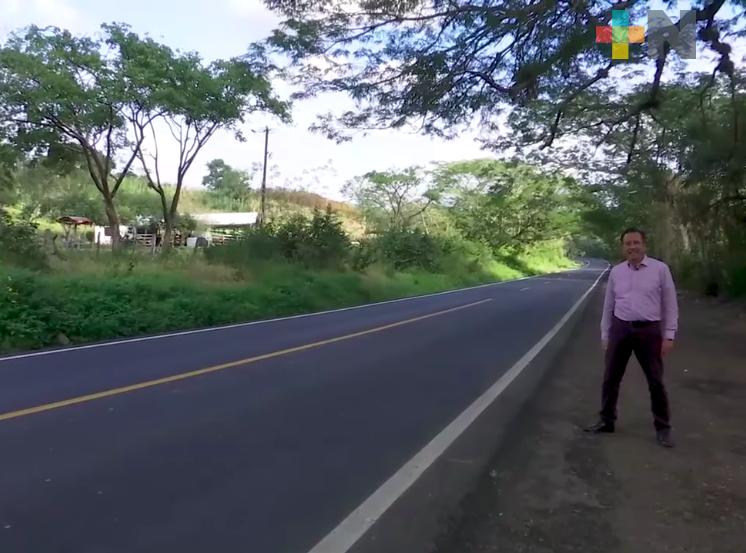 En la zona de la Huasteca veracruzana, el gobernador verifica también la realización de obras