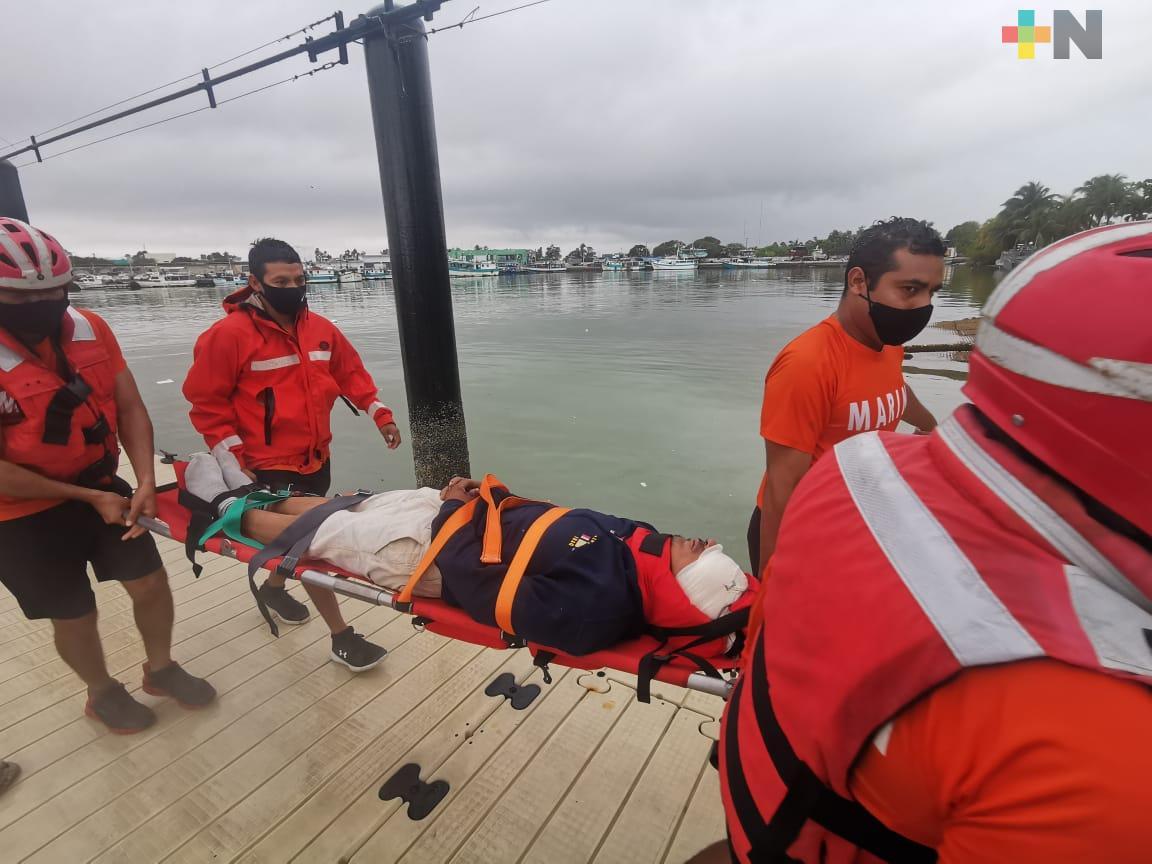 Armada de México realiza Evacuación Médica de tripulante en buque pesquero
