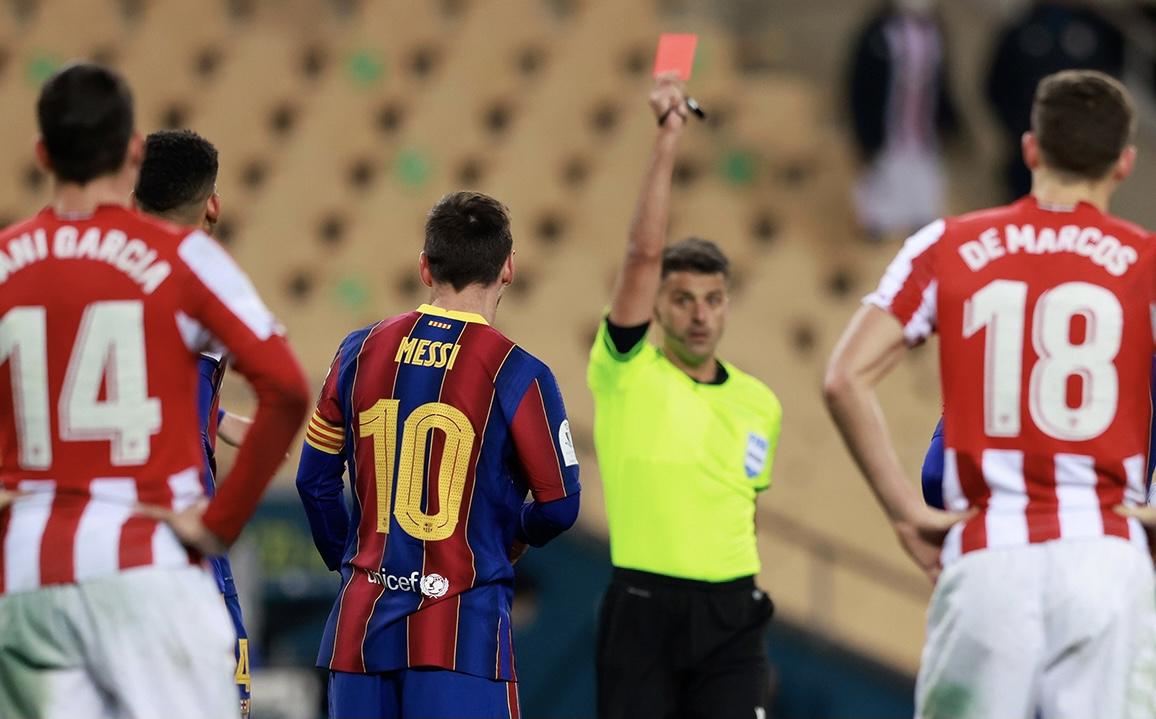 Con Messi expulsado, Barcelona perdió la Supercopa de España