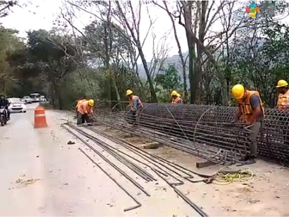Inicia obra de reparación de la carretera Cumbres de Tuxpango- Campo Chico