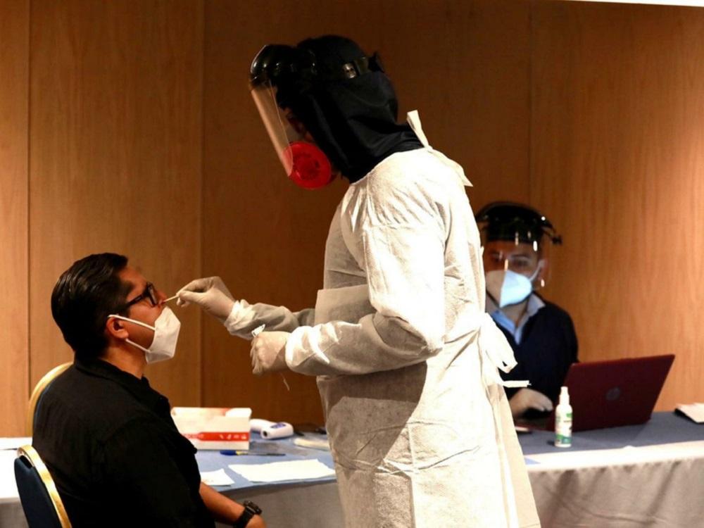 Instalan laboratorio para pruebas COVID-19 en AICM