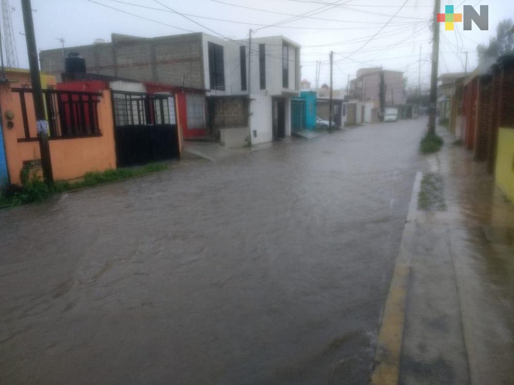 Intensa lluvia azota a capital veracruzana