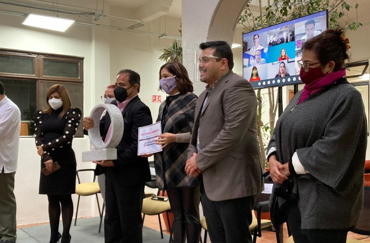 """IVAI entregó reconocimientos a ganadores del concurso """"Ayuntamiento transparente"""""""