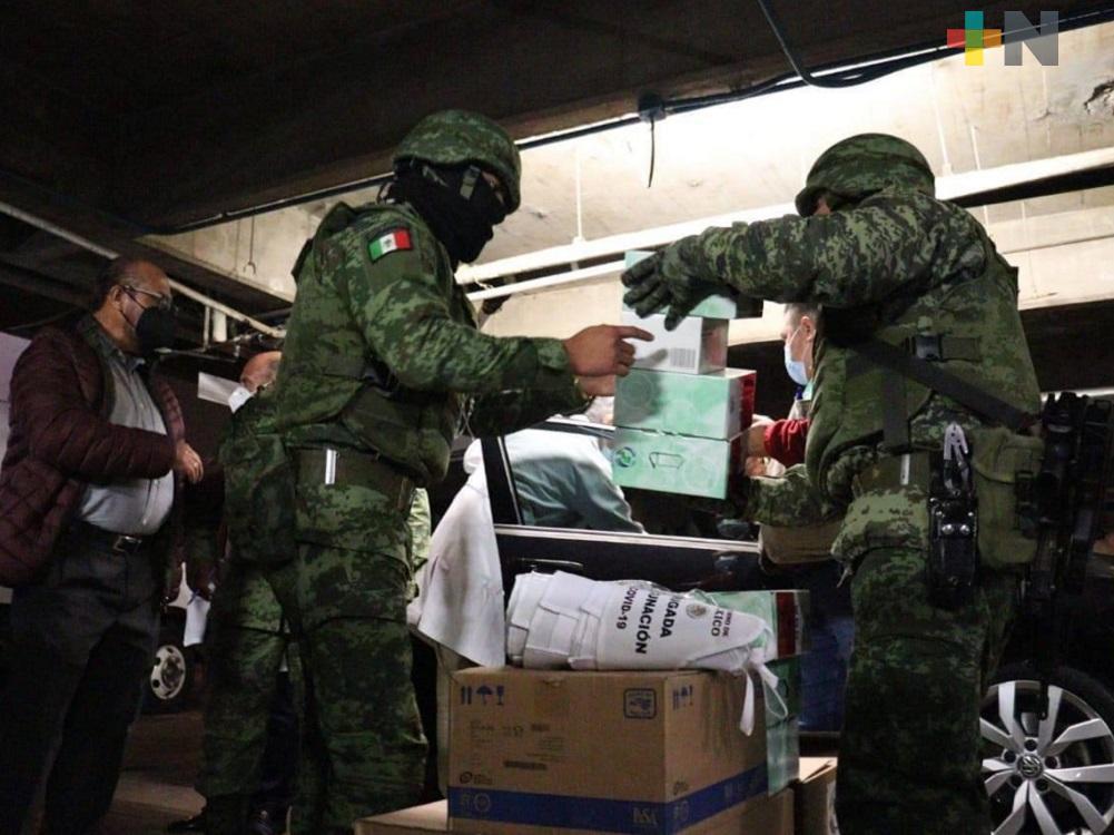 Llegan a hospitales de Coatzacoalcos y Minatitlán primeras dosis de vacunas contra COVID-19
