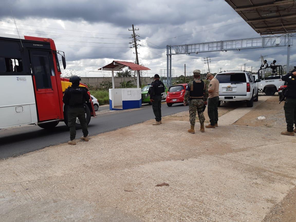 En el sur de Veracruz, más de 2 mil 200 dosis de droga, vehículos y armas asegurados: SSP