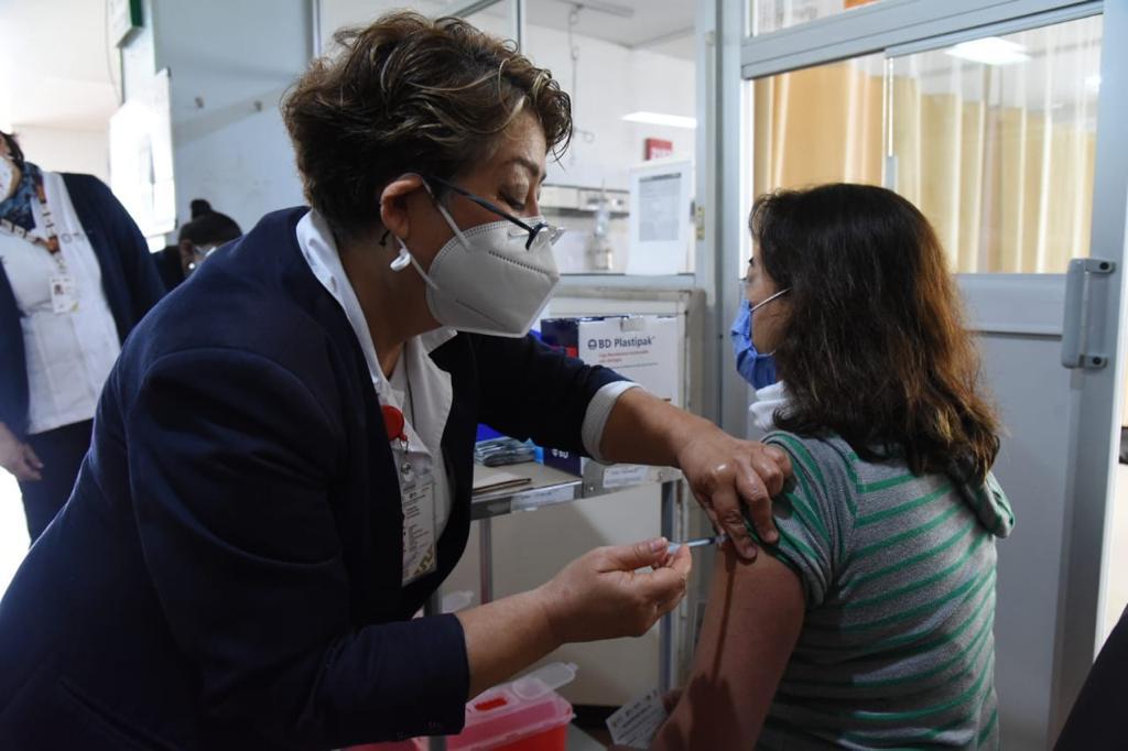 Aplicará Secretaría de Salud 5 mil 380 vacunas a personal de primera línea COVID en Veracruz