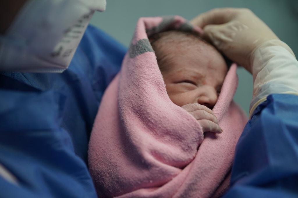 Nació el primer bebé del 2021 en el IMSS, con estrictas medidas de sanidad por COVID-19