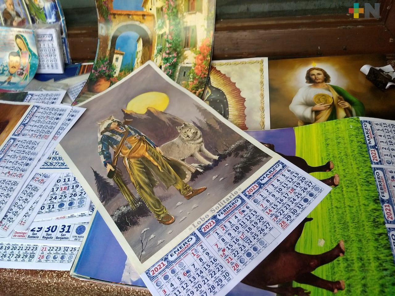 Alta demanda de calendarios a inicio de año, en Xalapa