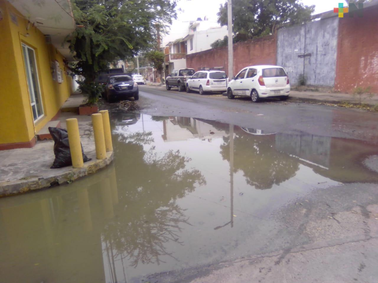Fugas de aguas negras reportan en colonia Nueva Era del municipio de Boca del Río