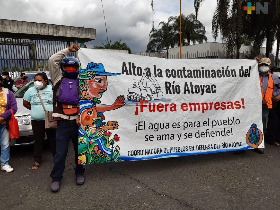 Vecinos de la localidad de Potrero Nuevo se manifiestan por contaminación de río Atoyac