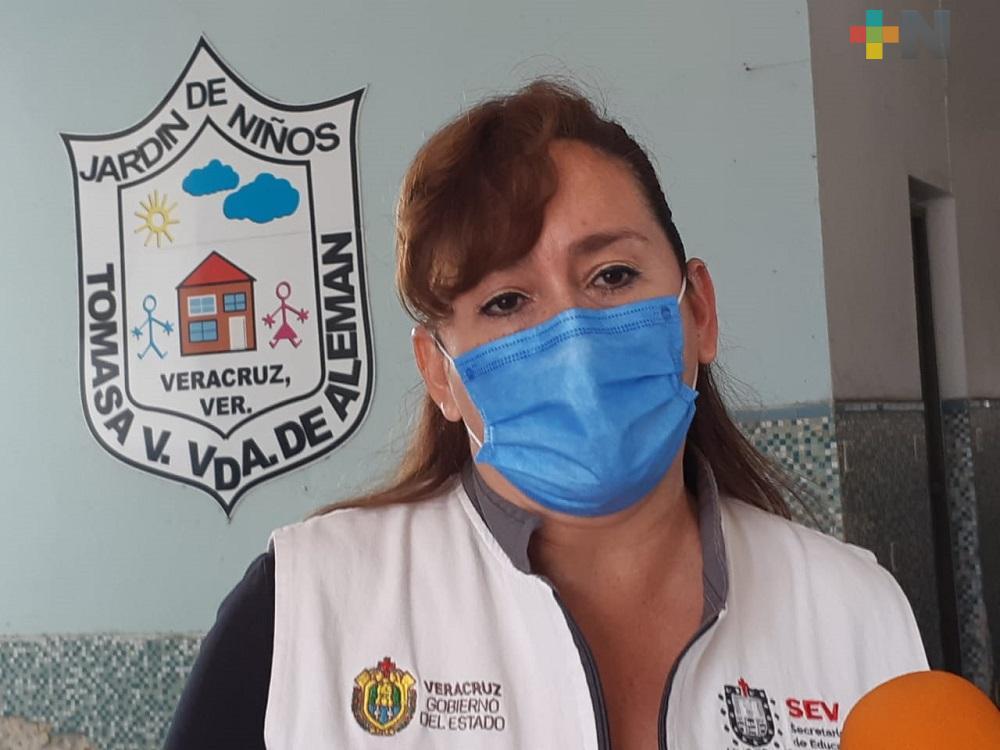 Padres de familia del municipio de Veracruz resguardan en casas equipos de escuelas
