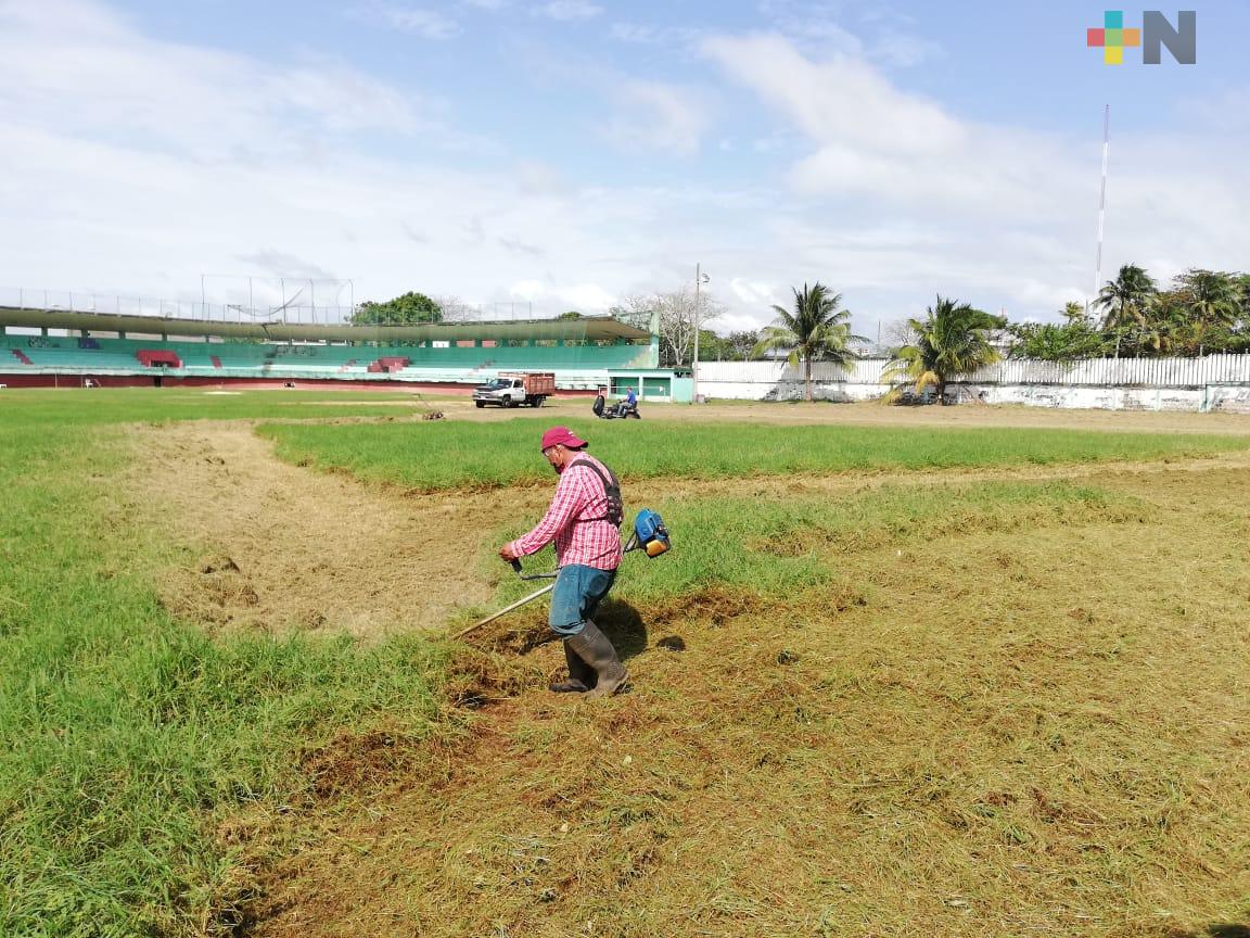En Coatzacoalcos, por concluir rehabilitación de escenarios para el beisbol