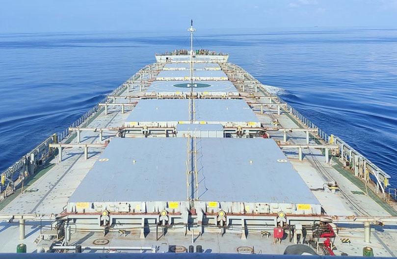 Miles de marineros atrapados en el mar o en casa por las restricciones del COVID-19