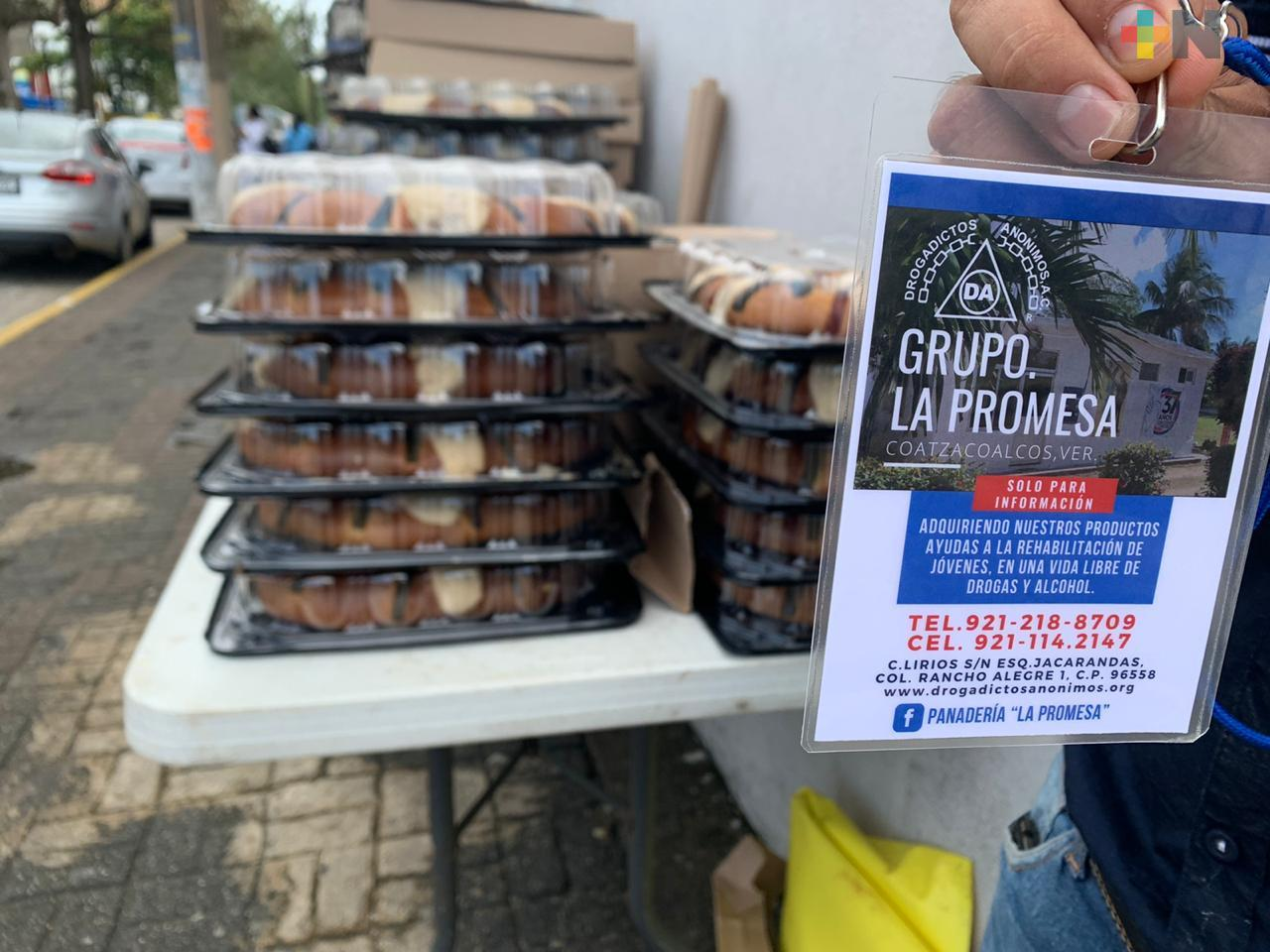 """Grupo «La Promesa""""  comenzó con su tradicional venta de roscas de Reyes en Coatzacoalcos"""