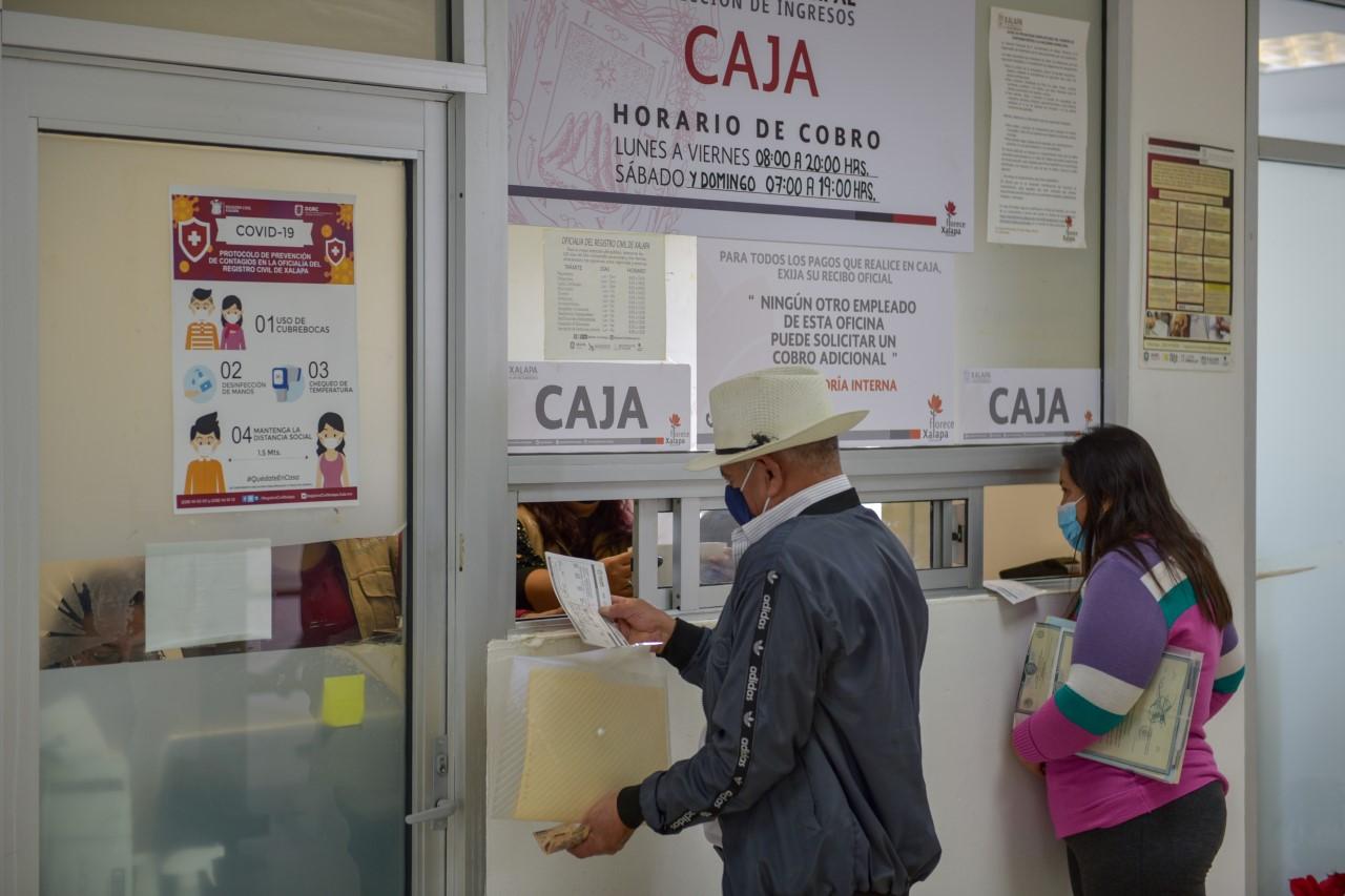 Cerradas de jueves a martes cajas de Palacio Municipal