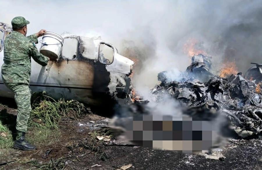 Un jet de la Sedena se accidentó e incendió cerca de Xalapa; se habla de militares fallecidos