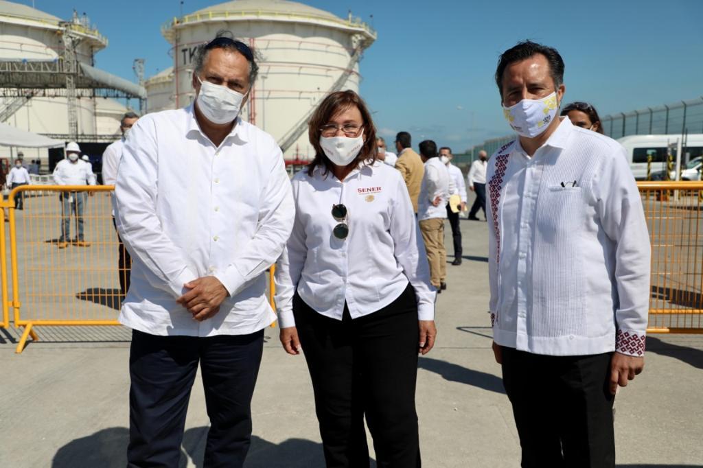 El diputado Ricardo Exsome Zapata asistió a la inauguración de la Terminal de Almacenamiento de Refinados, en Veracruz