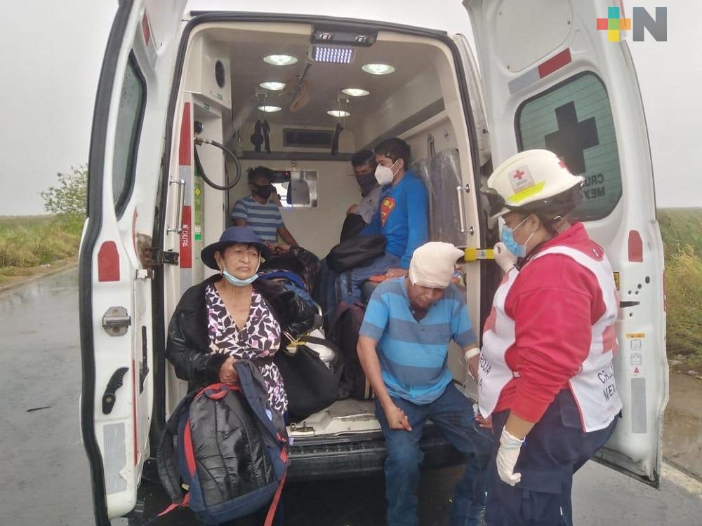 Lesionados de accidente en carretera Coatzacoalcos-Minatitlán, sin recibir pago de gastos médicos
