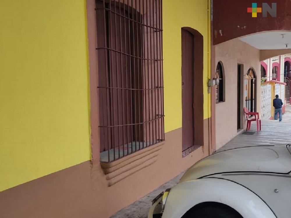 Ayuntamiento de Amatlán de los Reyes inició programa «Embellece tu casa»