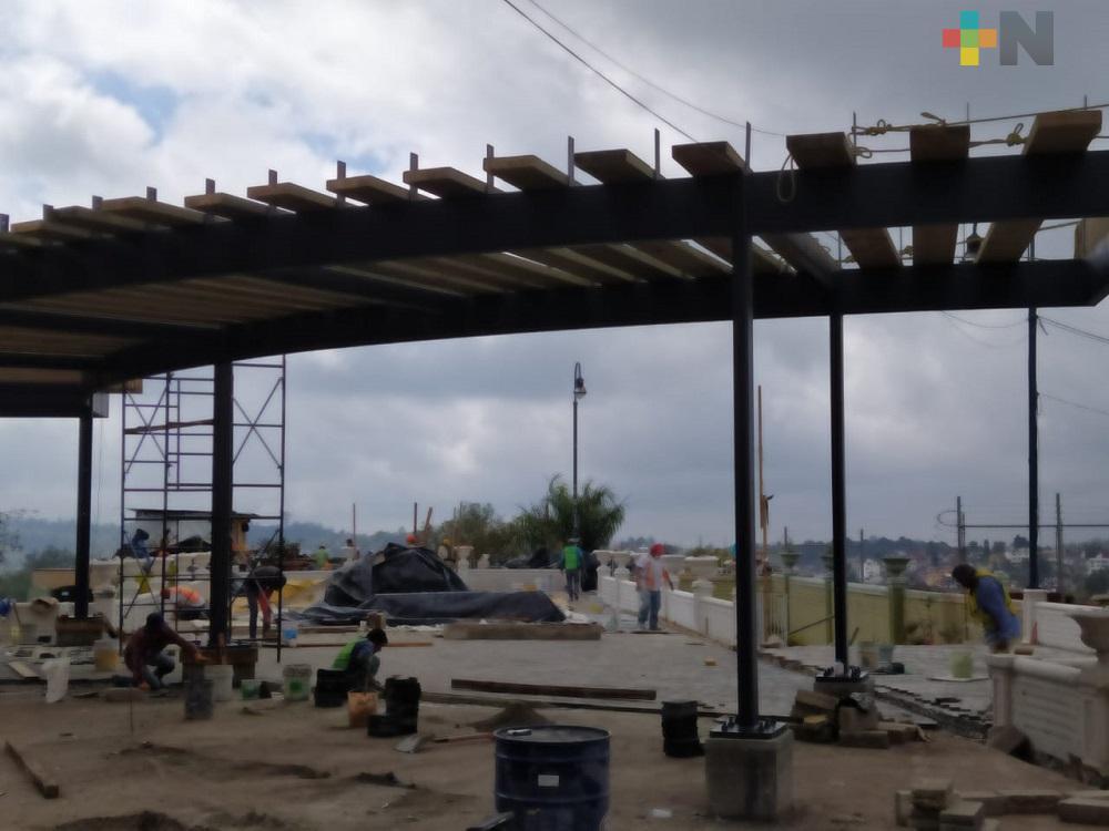 Construcción de pérgola en parque Juárez, no estaba autorizada por el cabildo xalapeño