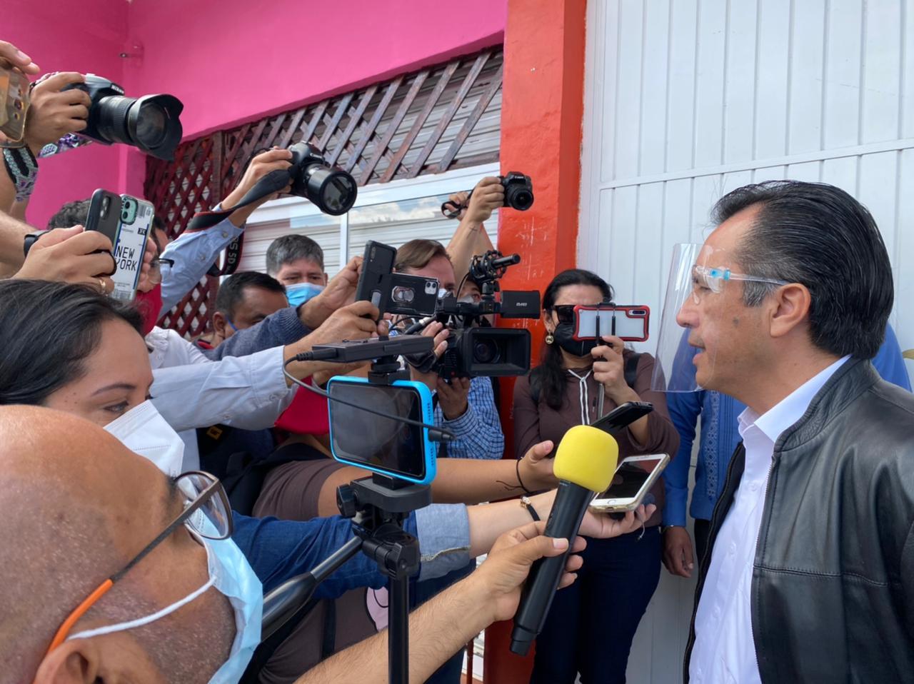 Hay detenidos y un vehículo asegurado por ataque a fiscal y diputada en Acayucan: gobernador